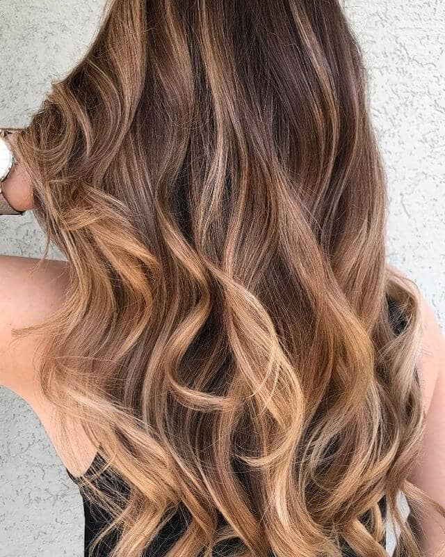 Simple Caramel Swirls with Blonde Tips
