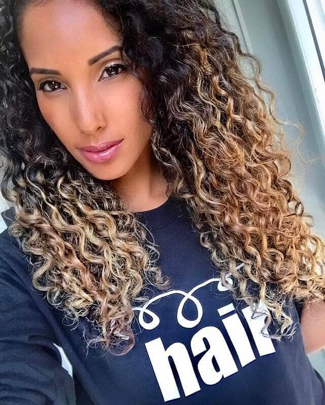 Eye-Catching Ombre Curls