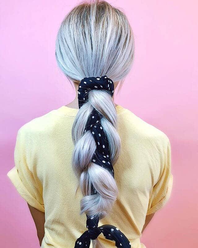 Плетеная косичка в виде красивой ленты