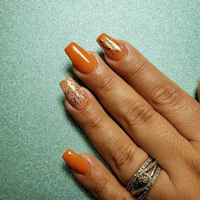 Rich Gold-Flecked Nails