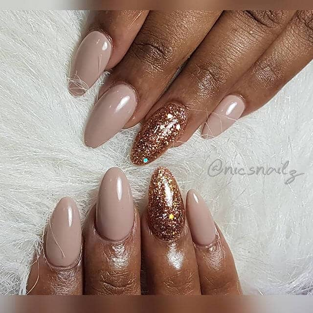 Queenly Nude Nails with Rich Glitter for Dark Skin