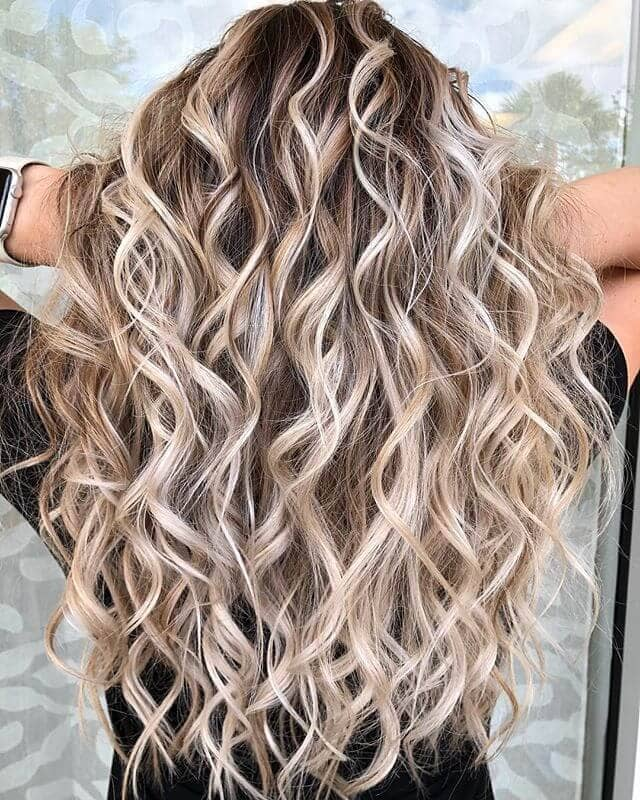 Messy Platinum Blonde Highlight Waves