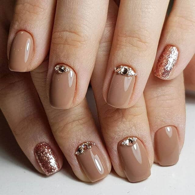 10 Elegant Rose Gold Nail Designs: 50 Hottest Gold Nail Design Ideas To Spice Up Your