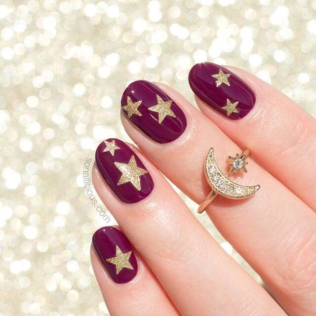 What's Your Sign? Gold Starry Nails