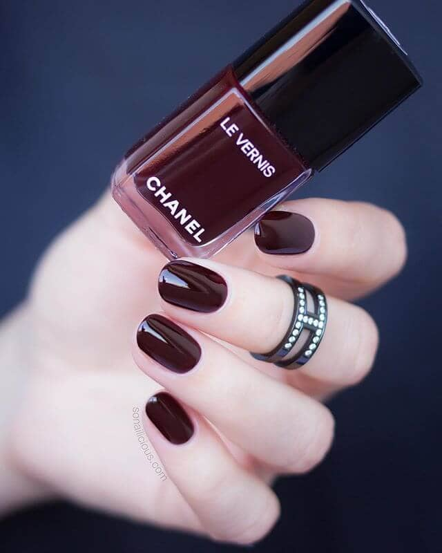 Chic and Short Classic Burgundy Manicure