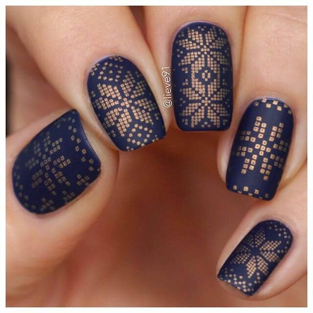 Rock Your Holiday Sweater with Golden Nail Art