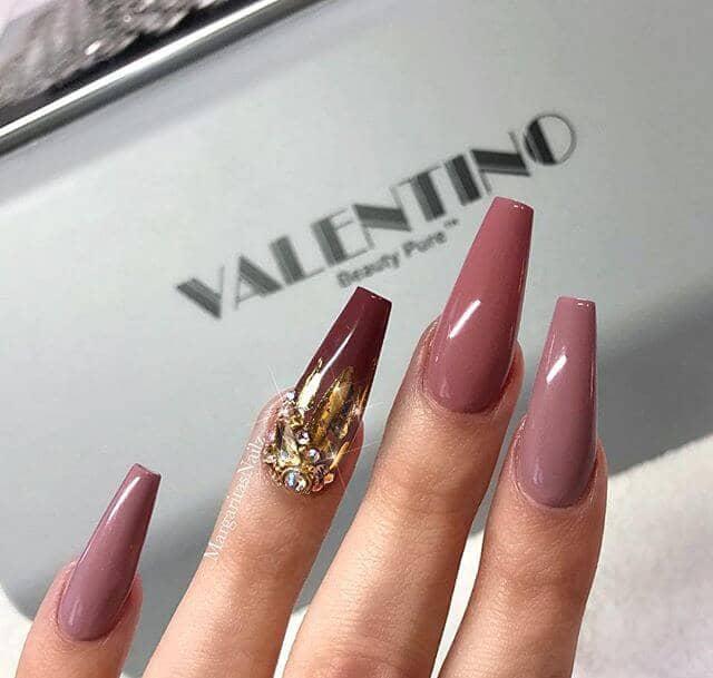 Marvelous Mauve Art Nouveau Nails