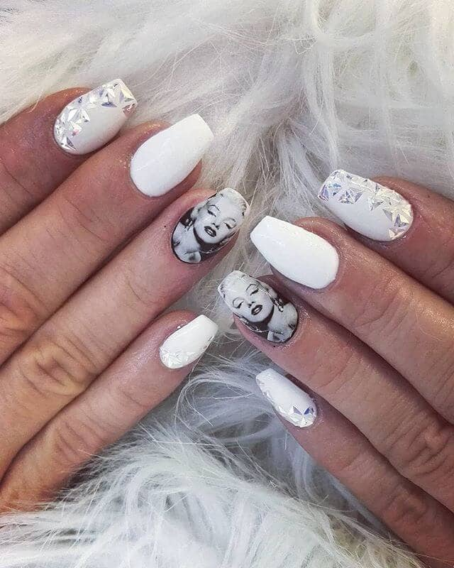 Glitzy and Glamorous Marilyn Monroe Themed Nails