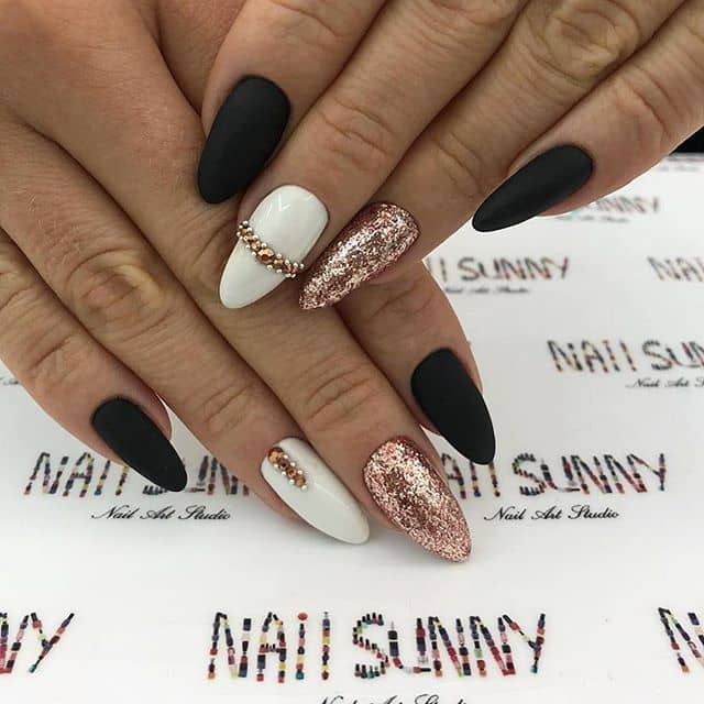 Gilded Almond Nails for Trendsetters