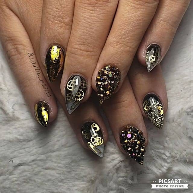 Awesome Futuristic Black-And-Gold Steampunk Nails