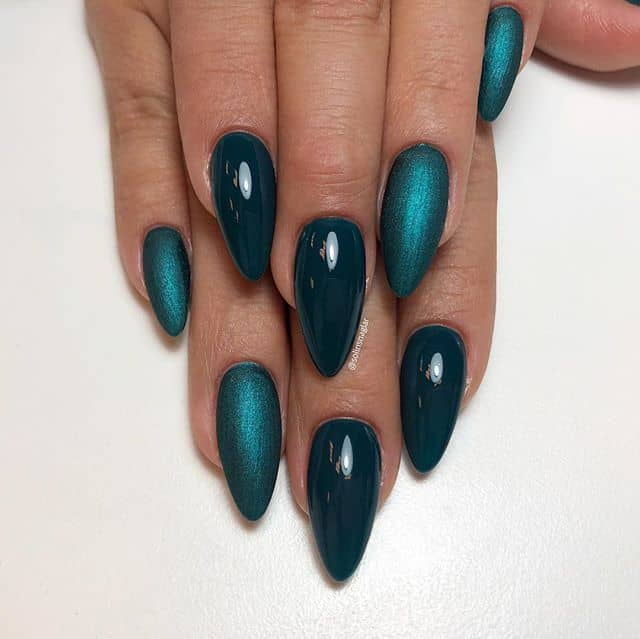 Matte and Shiny Shades of Green