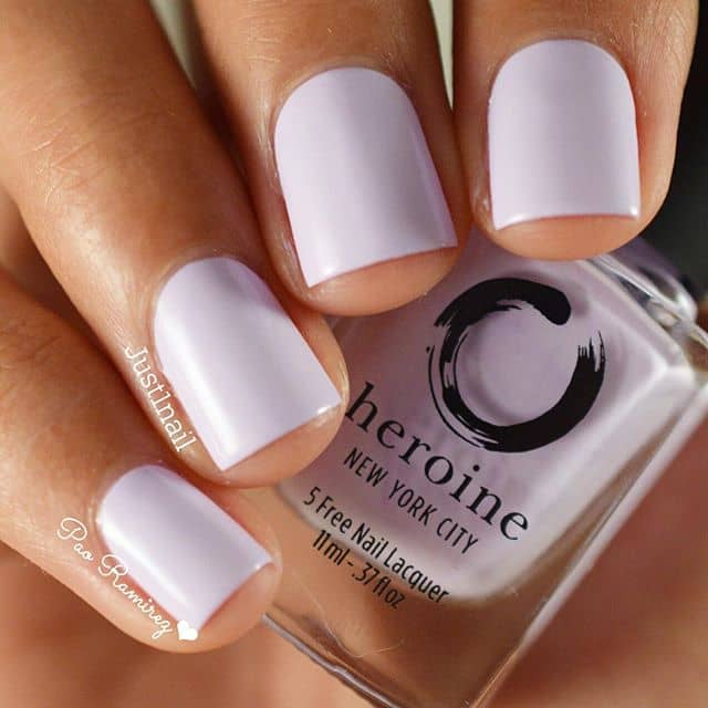 Pretty and Easy Light Purple Nails