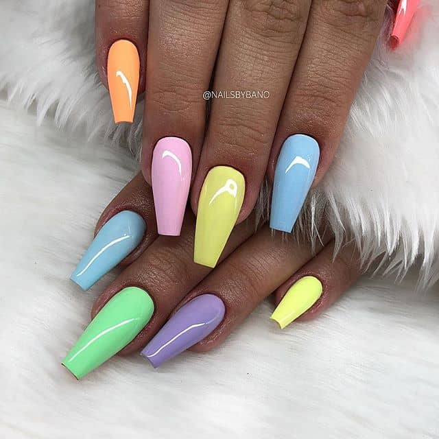 Coffin Nails Colored in Pastels