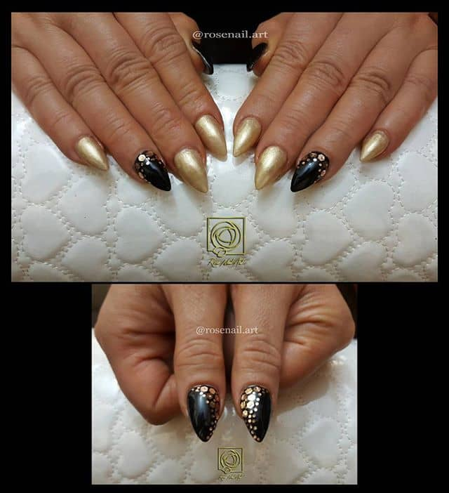 Pretty Cobra Skin Nails in Neutral Tones