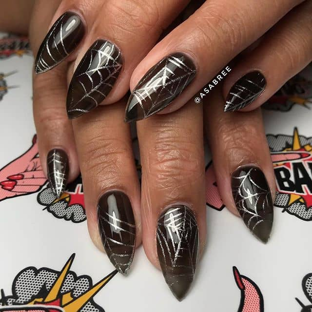 Awesome Spiderweb Black and Gold Nail Art
