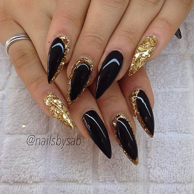 Opulent Talon Nails in Black and Gold