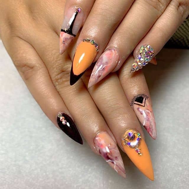 A Fashion Show for your Fingers