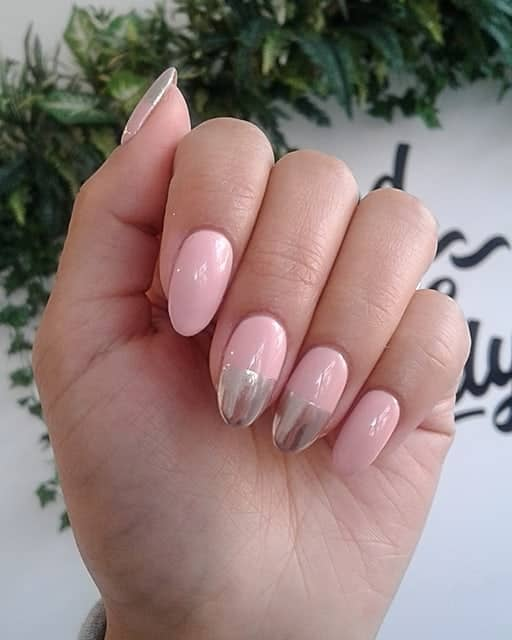 Pink and Chrome Ovals are Everything