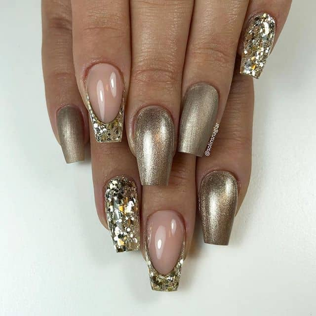 Beautiful Egyptian Style Prom Nails