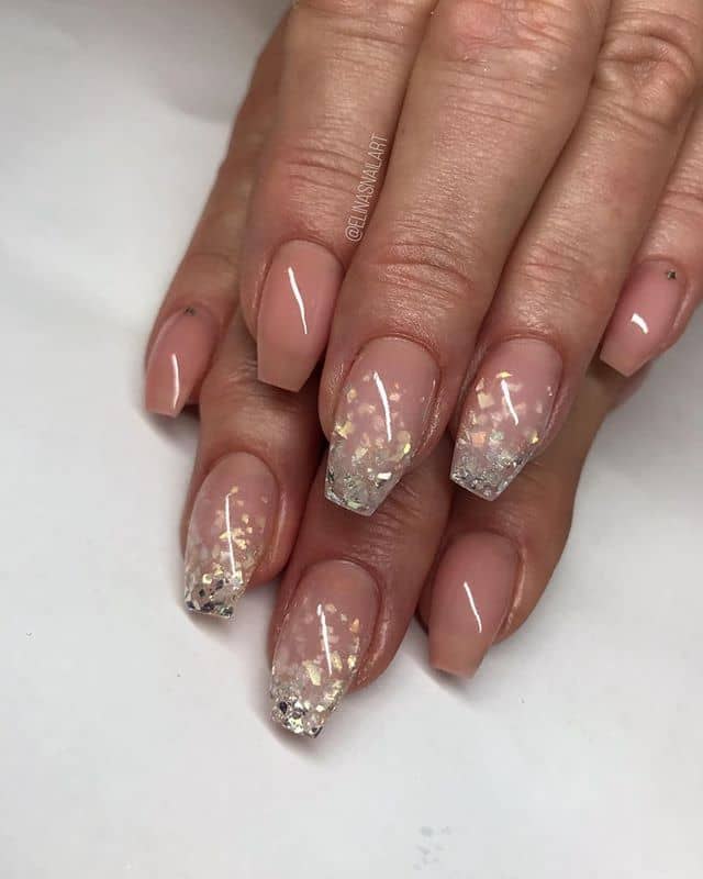 Chic, Understated Ombre Sparkle Nails