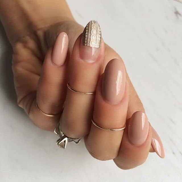 Elegant Taupe and Gold Prom Nails