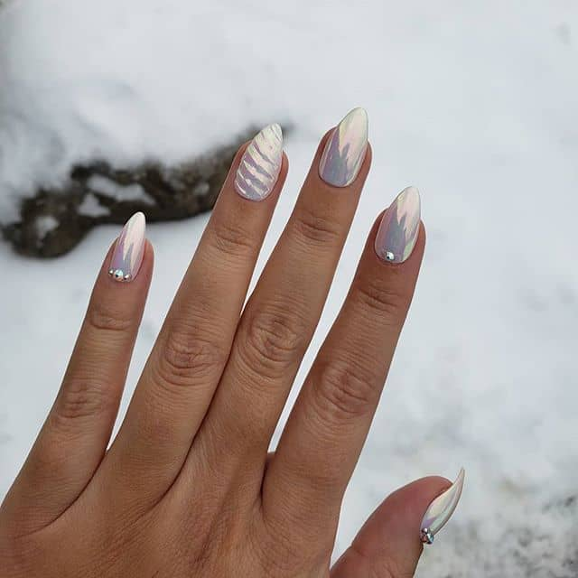 Chromed Dipped Manicure with Elegant Details