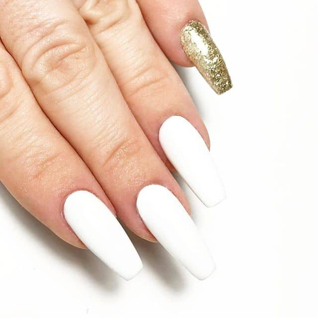 Simplistic Nail Design Uses Gold Sparingly