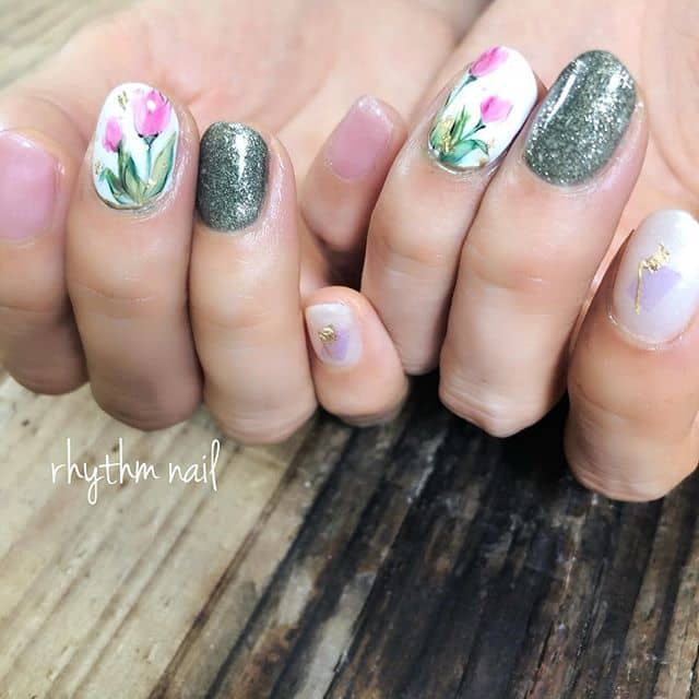Artistic Glitter Accented Tulips
