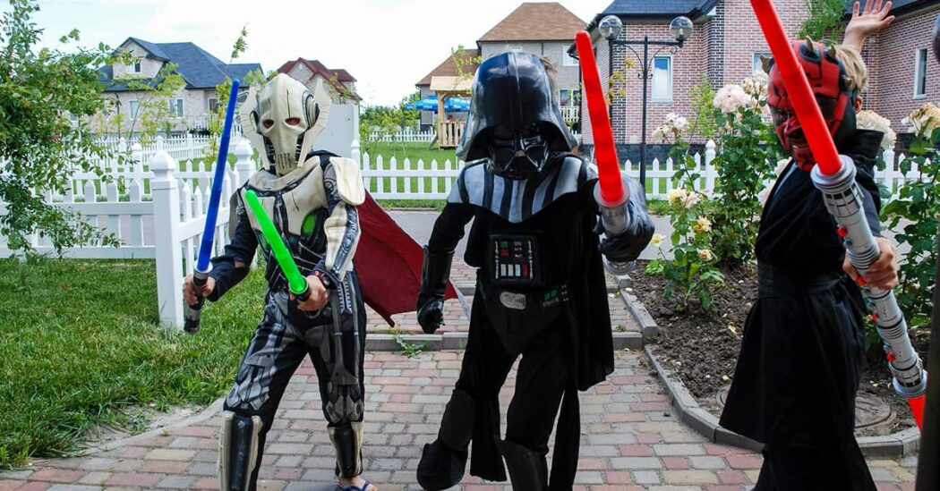 Children outfits with Star Wars theme